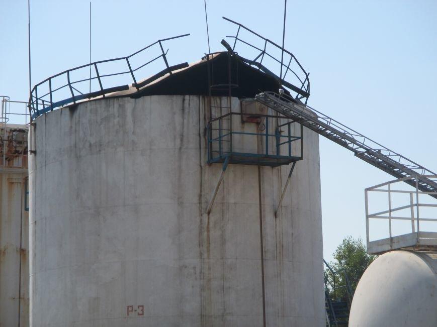На территории кременчугского предприятия взорвалась цистерна с мазутом (ФОТО), фото-16