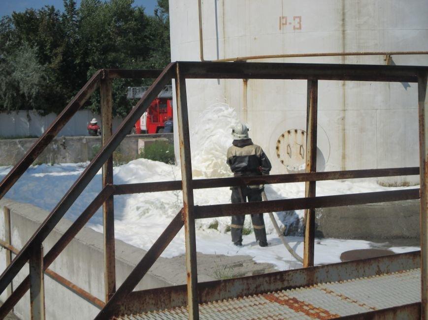 На территории кременчугского предприятия взорвалась цистерна с мазутом (ФОТО), фото-7