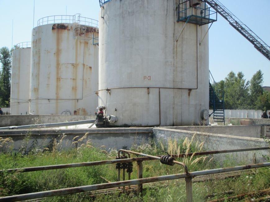 На территории кременчугского предприятия взорвалась цистерна с мазутом (ФОТО), фото-12