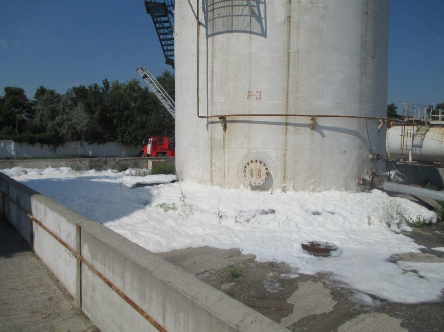 На территории кременчугского предприятия взорвалась цистерна с мазутом (ФОТО), фото-9