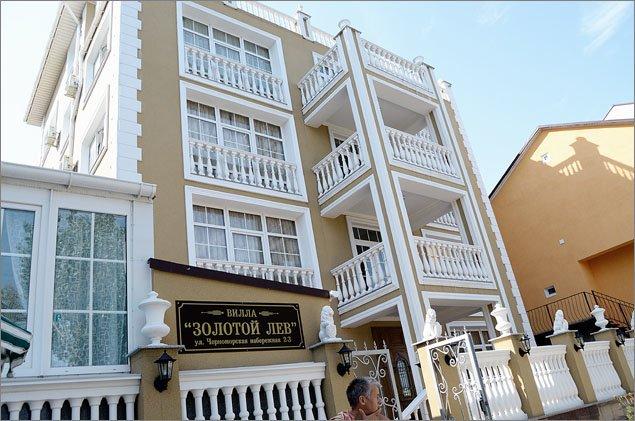 В Феодосии продолжается разъяснительная работа с гражданами, предоставляющими жилье туристам (ФОТО), фото-3