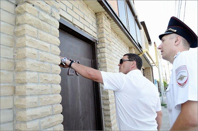 В Феодосии продолжается разъяснительная работа с гражданами, предоставляющими жилье туристам (ФОТО), фото-1