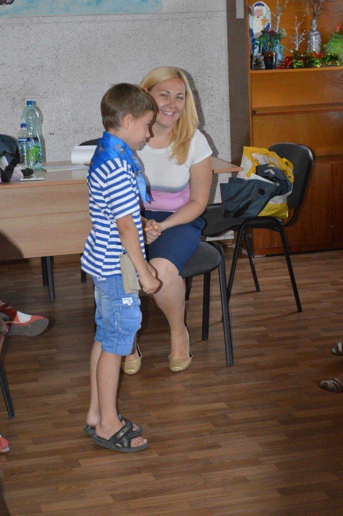 Психологи штаба «Поможем» лечат детей от войны (фото) - фото 1