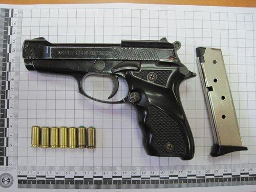 В Мариуполе у водителя изъяли пистолет (ФОТО), фото-1