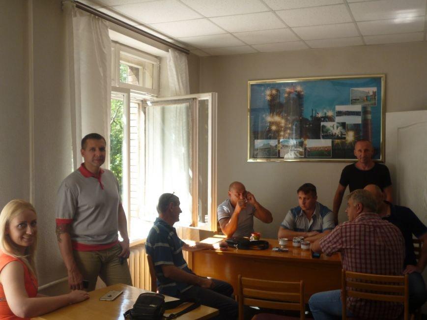 Активисты Кривого Рога три часа  ожидали встречи с народным депутатом (ФОТО) (фото) - фото 5