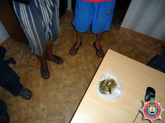 В районе Мариуполя обнаружен вооруженный мужчина (ФОТО) (фото) - фото 1