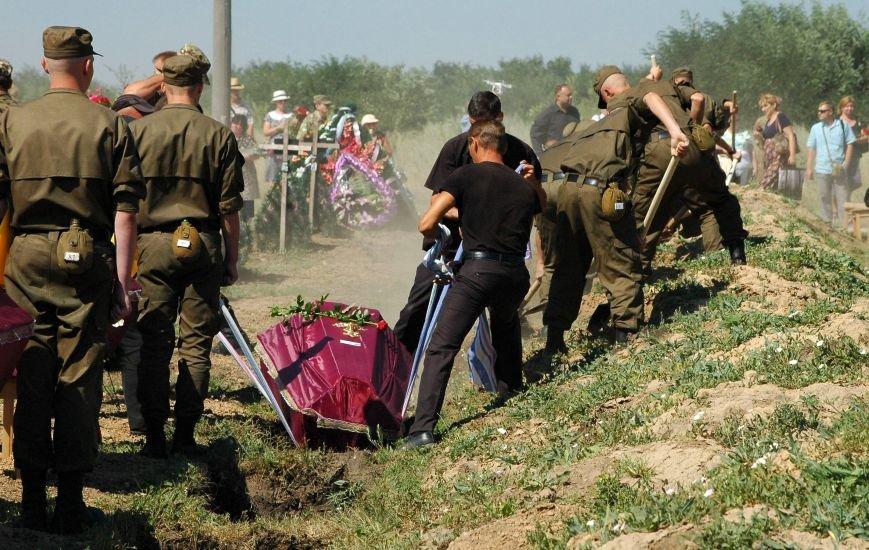 Под Запорожьем неопознанных солдат похоронили через год после гибели (ФОТОРЕПОРТАЖ), фото-24