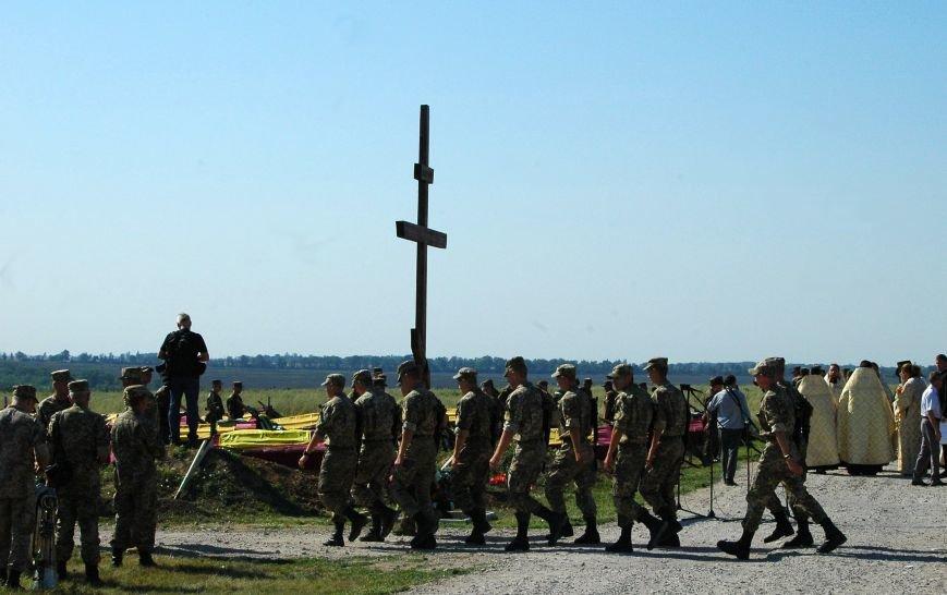 Под Запорожьем неопознанных солдат похоронили через год после гибели (ФОТОРЕПОРТАЖ), фото-9