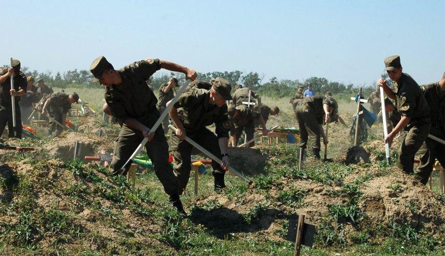 Под Запорожьем неопознанных солдат похоронили через год после гибели (ФОТОРЕПОРТАЖ), фото-26