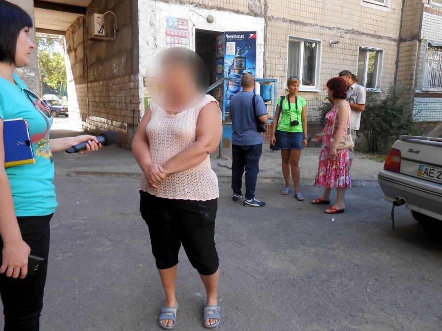 В Днепродзержинске устроили облаву на магазины, которые продают детям алкоголь и сигареты (фото) - фото 3