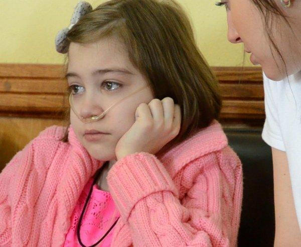 В Запорожье умерла 13-летняя девочка, не дождавшись лекарств от чиновников (фото) - фото 1