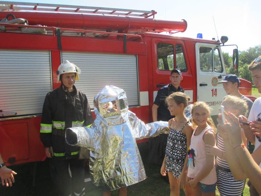 Кременчугские пожарные учили детей, отдыхающих в «Звёздном» и «Энергетике», тушить пожар (ФОТО), фото-7