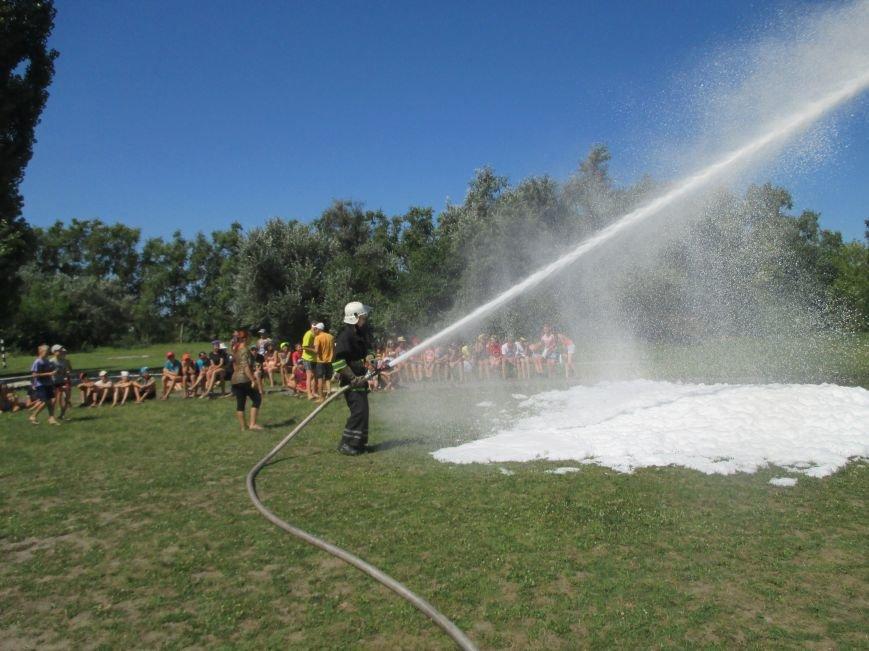 Кременчугские пожарные учили детей, отдыхающих в «Звёздном» и «Энергетике», тушить пожар (ФОТО), фото-4