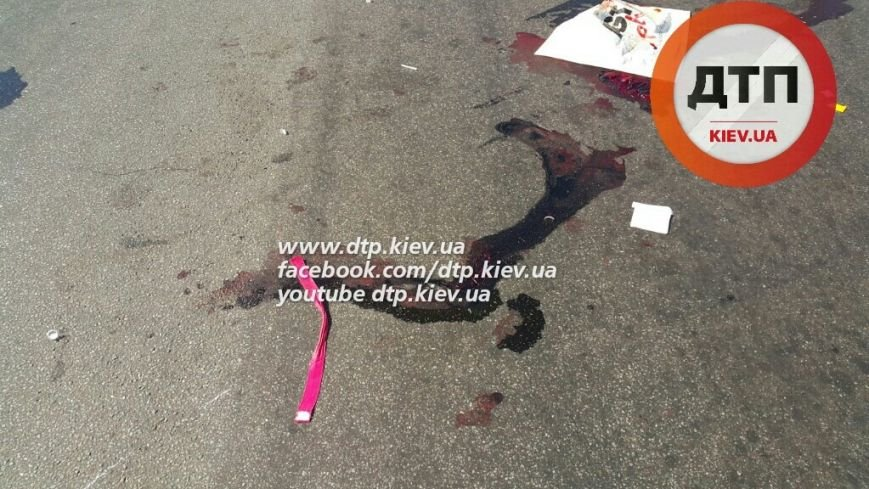 В Киеве мотоциклист насмерть сбил пешехода и скрылся с места ДТП (ФОТО) (фото) - фото 1