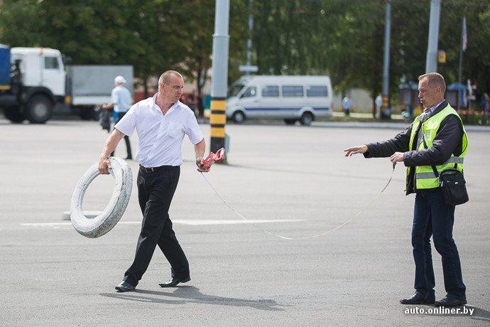 Гродненские водители победили на республиканских соревнованиях троллейбусов в Минске (фото) - фото 8