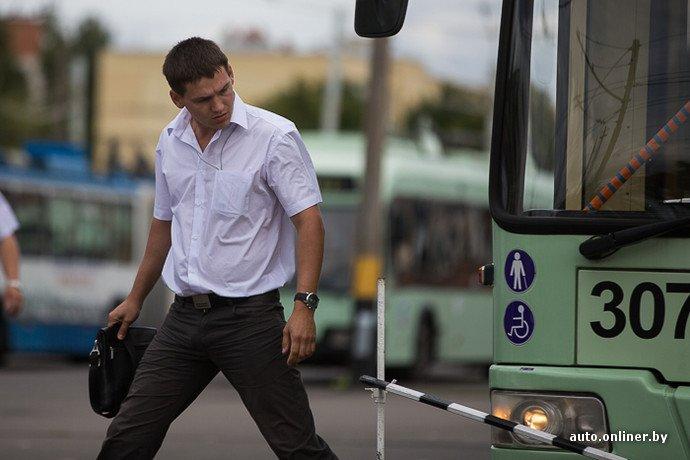 Гродненские водители победили на республиканских соревнованиях троллейбусов в Минске (фото) - фото 5