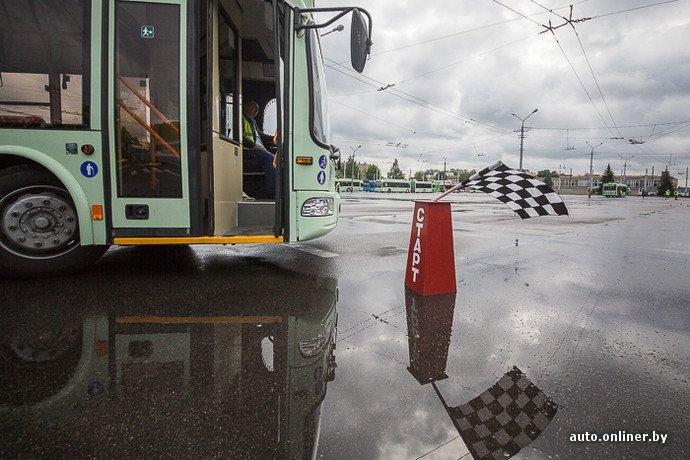 Гродненские водители победили на республиканских соревнованиях троллейбусов в Минске (фото) - фото 12