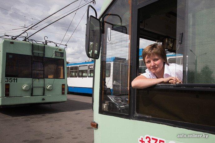 Гродненские водители победили на республиканских соревнованиях троллейбусов в Минске (фото) - фото 1