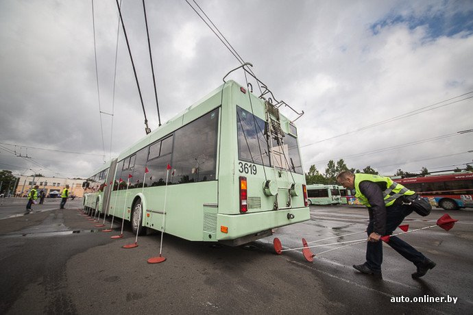 Гродненские водители победили на республиканских соревнованиях троллейбусов в Минске (фото) - фото 6