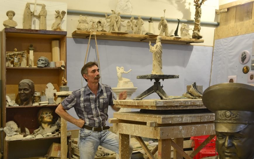 В Кривом Роге установят памятник Александру Радиевскому, созданный скульптором Владимиром Токарем (ФОТО) (фото) - фото 1