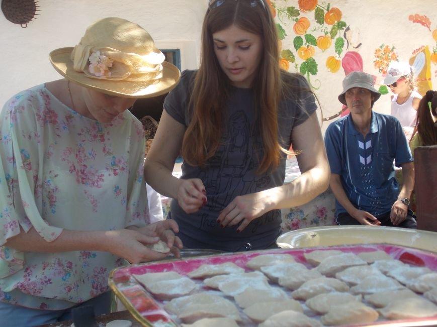 Участники бердянского семинара по прикладному искусству посетили «Сільське подвір'я» в Благовещенке (фото) - фото 8