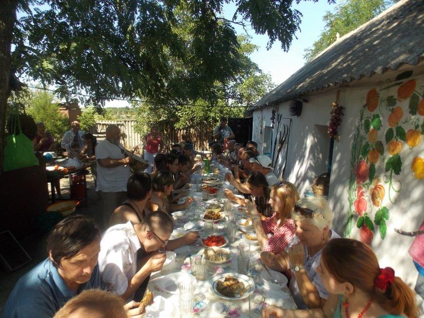 Участники бердянского семинара по прикладному искусству посетили «Сільське подвір'я» в Благовещенке (фото) - фото 15
