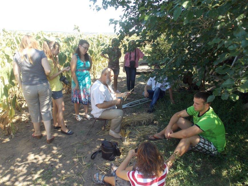 Участники бердянского семинара по прикладному искусству посетили «Сільське подвір'я» в Благовещенке (фото) - фото 10