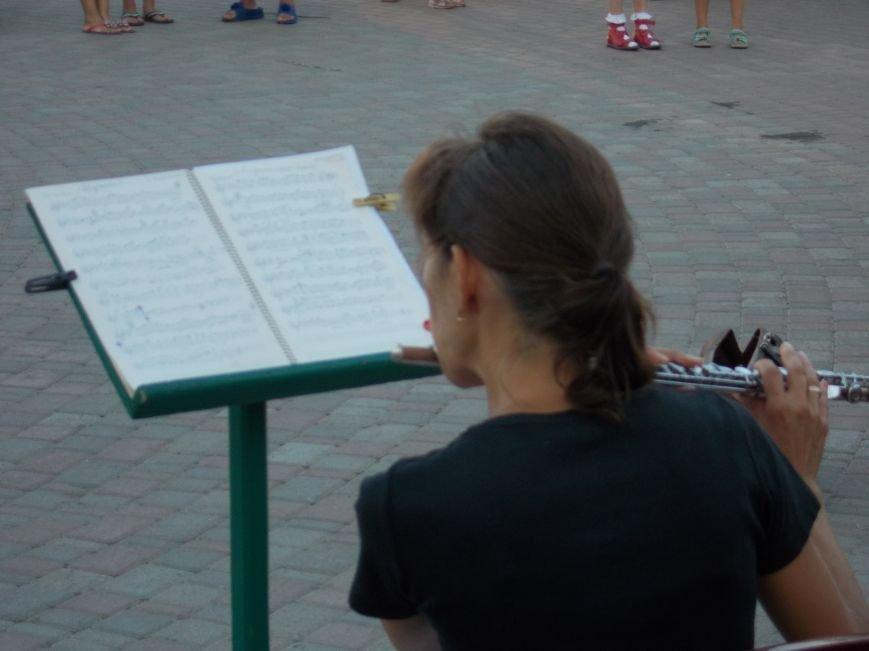 В Бердянске прошел традиционный концерт народного духового оркестра (фото) - фото 3