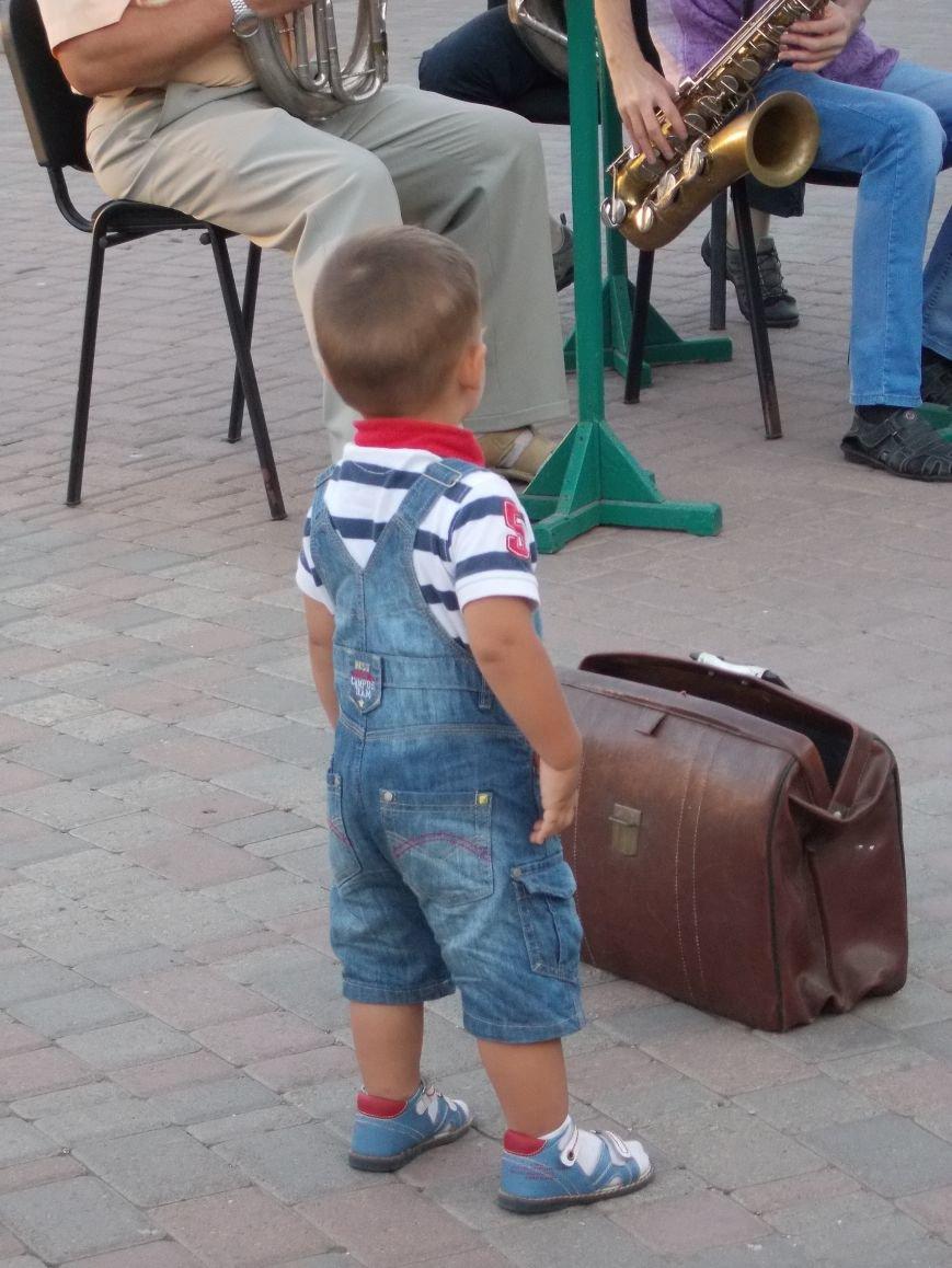 В Бердянске прошел традиционный концерт народного духового оркестра (фото) - фото 2