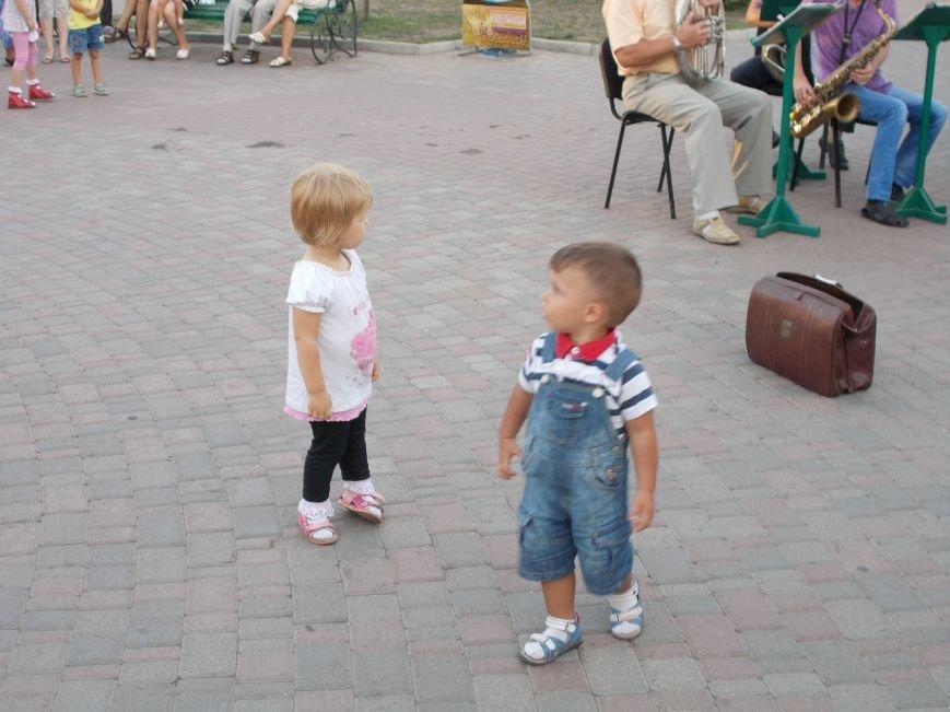 В Бердянске прошел традиционный концерт народного духового оркестра (фото) - фото 5