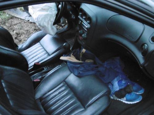 Разыскиваемый водитель «Альфа Ромео» покатал друзей на капоте: один погиб, второй тяжело ранен (фото) - фото 4