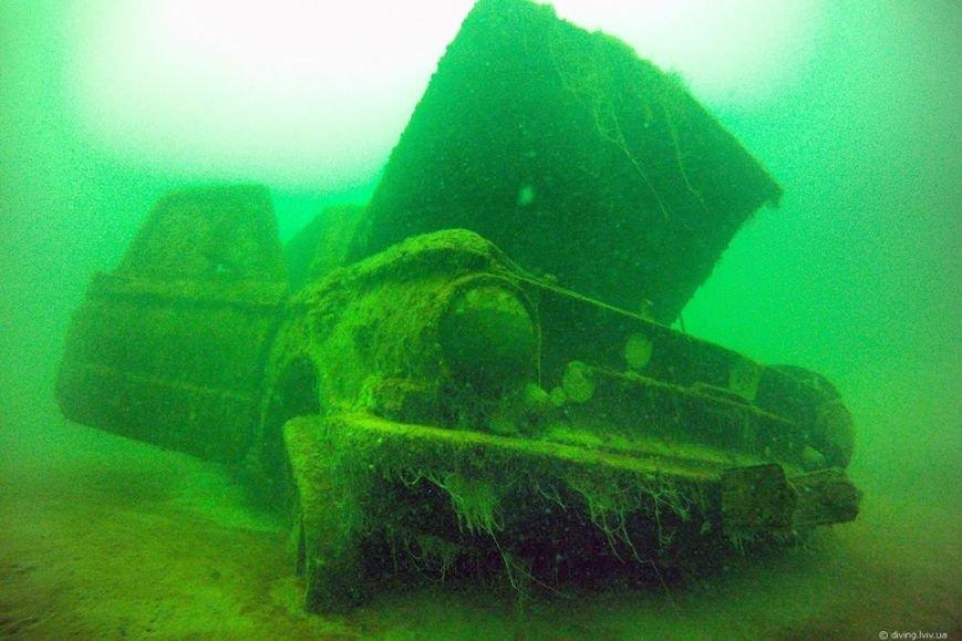 На дні озера Задорожнє дайвери знайшли транспорт часів Другої світової війни (ФОТО) (фото) - фото 1