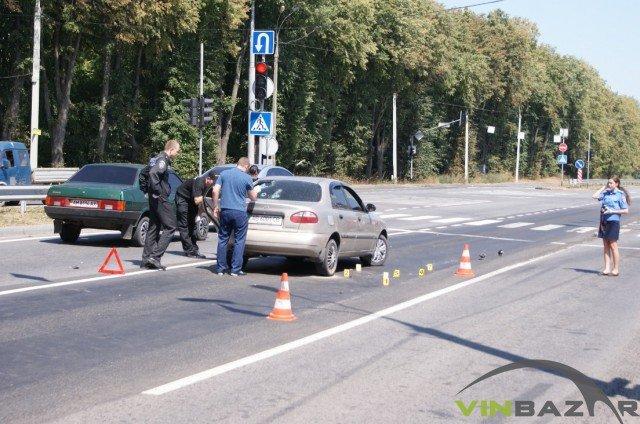 У Вінниці розстріляли автомобіль. Двоє чоловіків у лікарні (Фото+Відео), фото-5