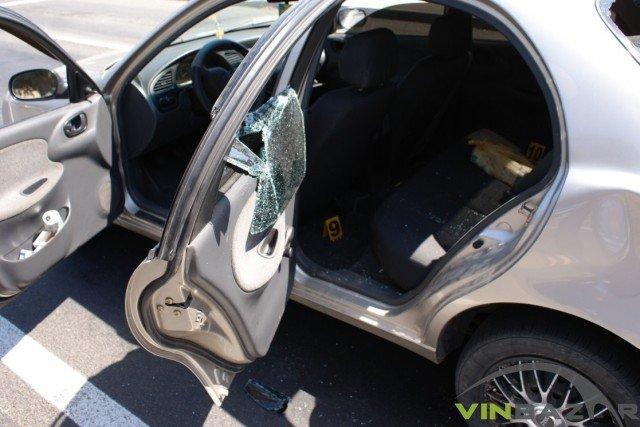 У Вінниці розстріляли автомобіль. Двоє чоловіків у лікарні (Фото+Відео), фото-3