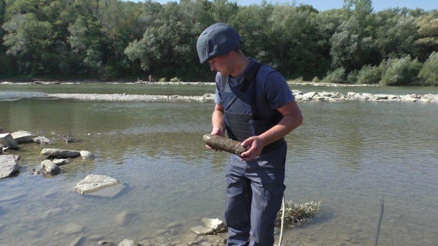 На Буковині знайшли мінометну міну та артилерійський снаряд, фото-1