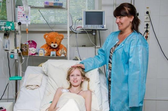 В Днепропетровске врачи спасли девочку из Мариуполя, пострадавшую от обстрела «Градом», фото-1