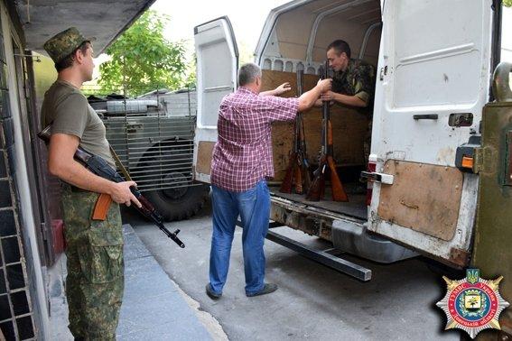 В Мариуполе из изъятого у населения оружия получили 800 килограммов металла (ФОТО) (фото) - фото 4