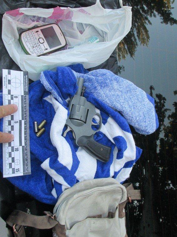 По Мелитополю ездили запорожцы с оружием и наркотиками (ФОТО) (фото) - фото 1