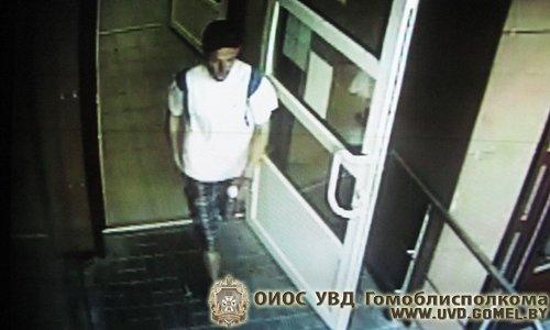 Железнодорожным РОВД Гомеля разыскивается подозреваемый в краже мобильного телефона (Фото) (фото) - фото 1