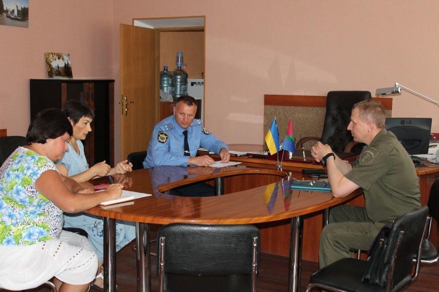 Жалобы и просьбы артемовцев выслушал начальник милиции Донецкой области, фото-1