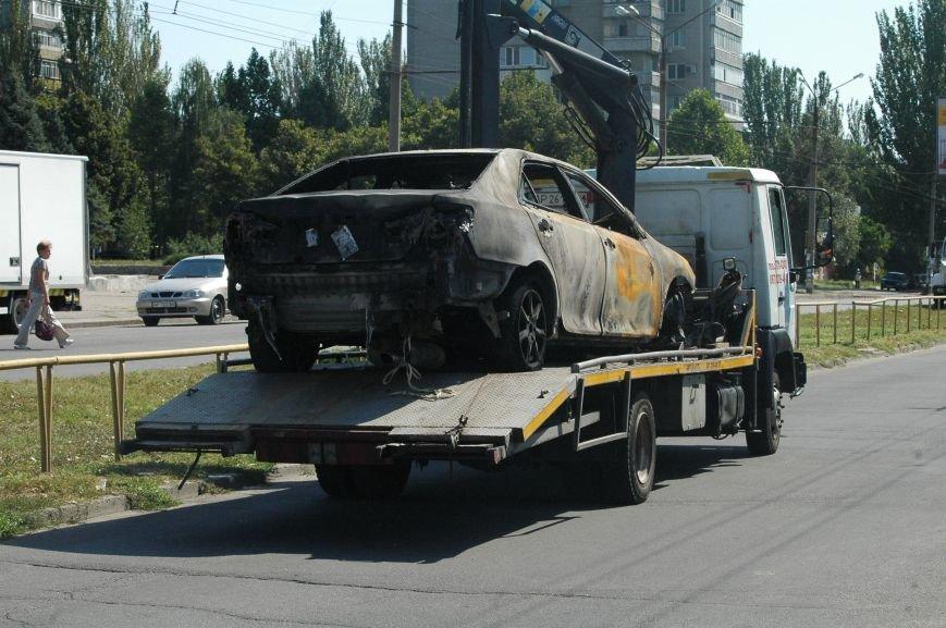 Масштабный пожар на запорожской автостоянке: пострадали 6 автомобилей (ФОТО), фото-1
