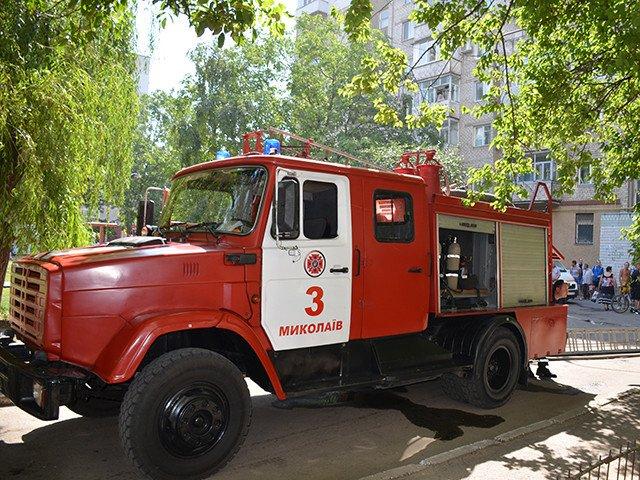 В Николаеве горела многоэтажка на Чкалова: в квартире был заперт ребенок (ФОТО), фото-1