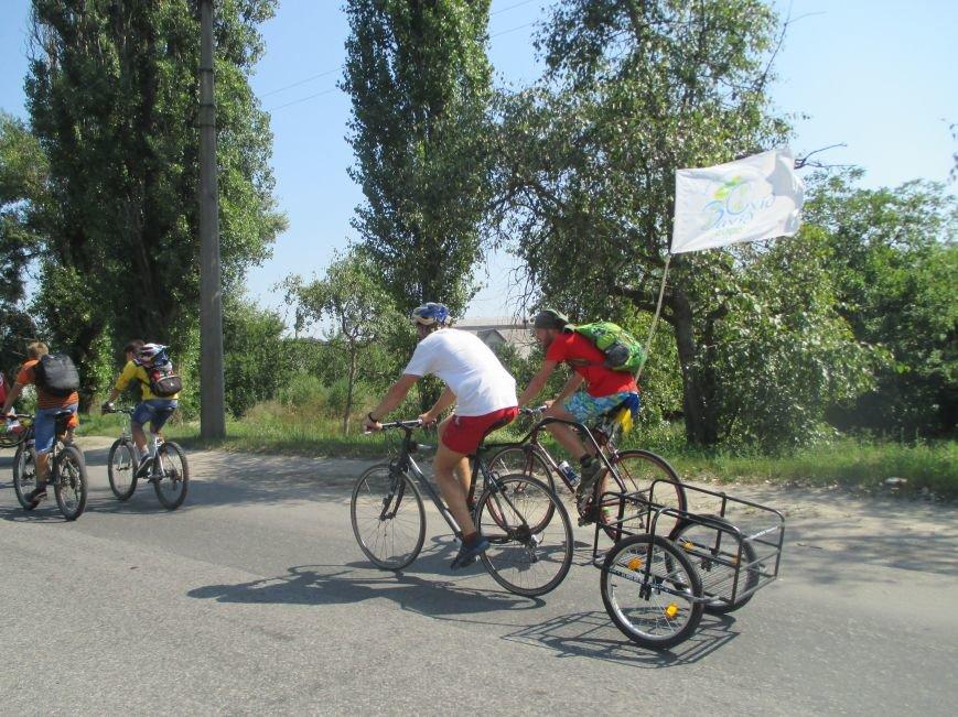 Кременчугские спасатели встретили участников велопробега на въезде в город, фото-7