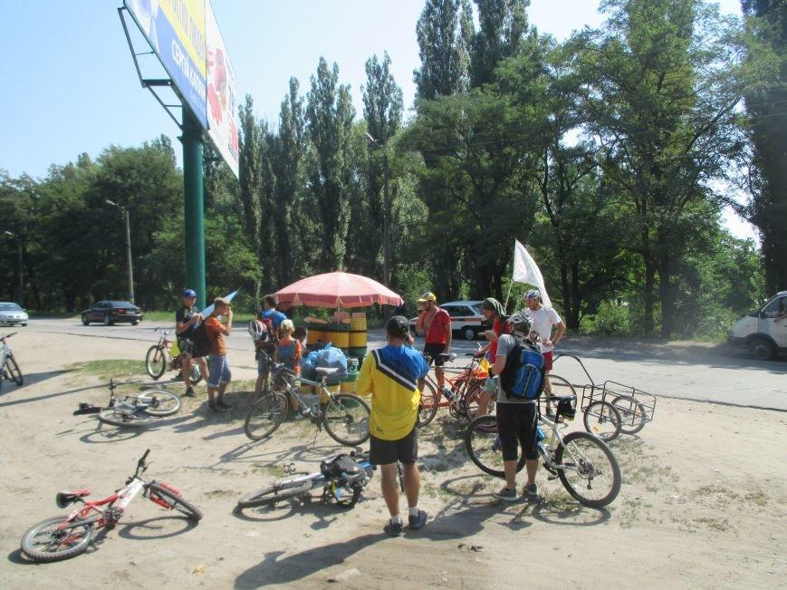 Кременчугские спасатели встретили участников велопробега на въезде в город, фото-5