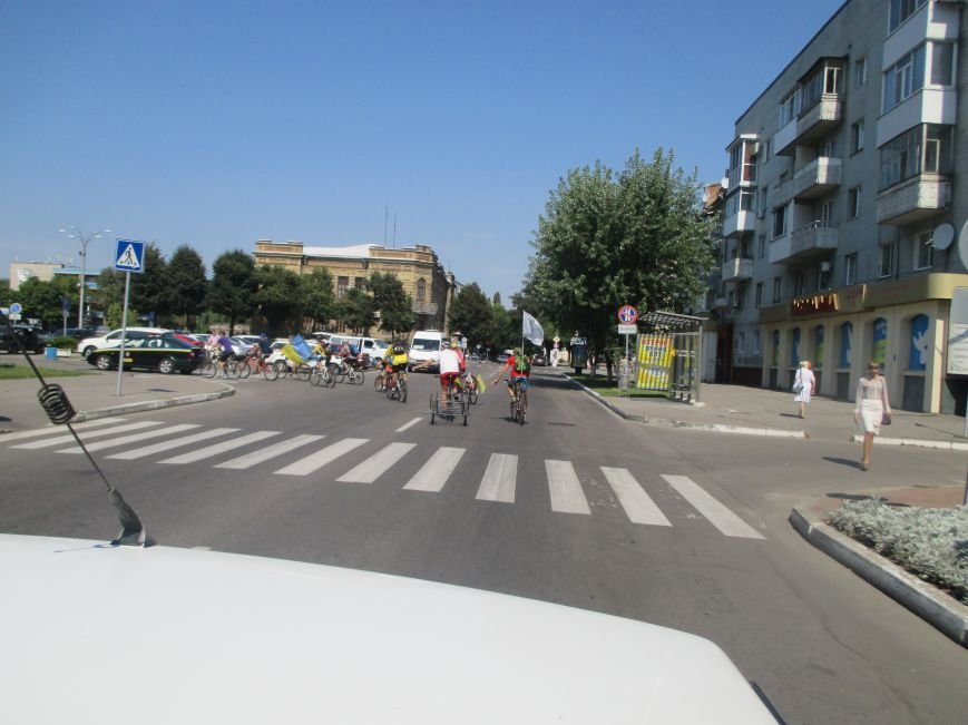 Кременчугские спасатели встретили участников велопробега на въезде в город, фото-12