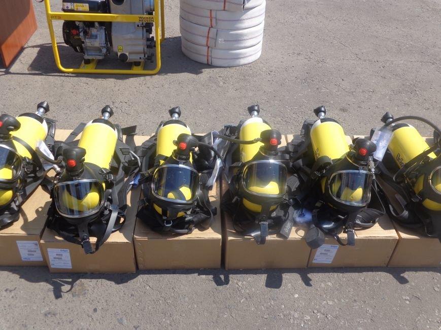 Пожарные Красноармейска и Димитрова получили новое оснащение из Германии (фото) - фото 4