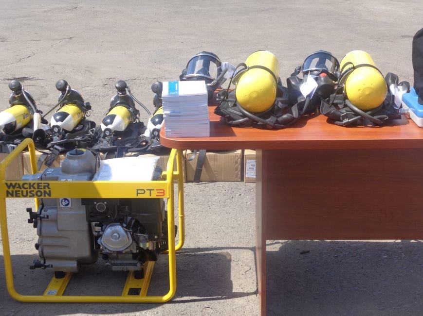 Пожарные Красноармейска и Димитрова получили новое оснащение из Германии (фото) - фото 5