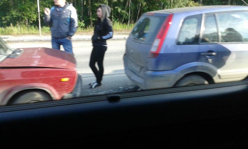 Тройное ДТП на полевской улице Магистраль. Фото, фото-2