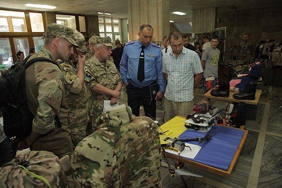 Виставка товарів для військових у Хмельницькому (Фото) (фото) - фото 2