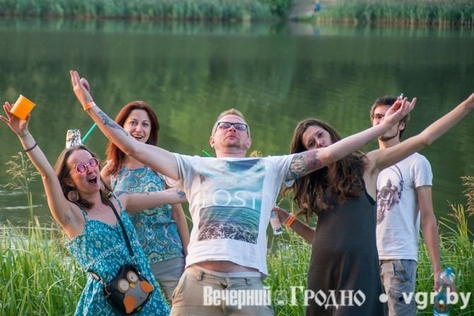 Фоторепортаж: возле Мирского замка отметили фестиваль Mirum Music (фото) - фото 10